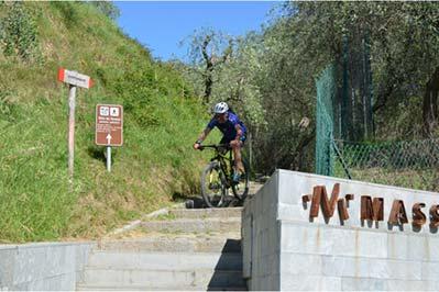 versilia bici massarosa lago resti romani museo tour
