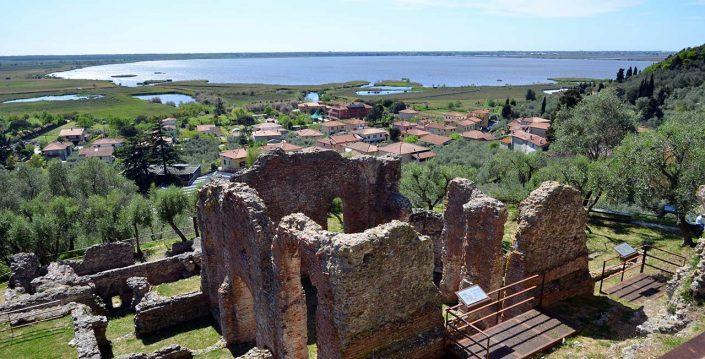 il lago di massaciuccoli visto dalla villa romana