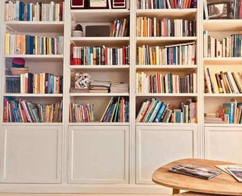 books at Petit Hotel Lido di Camaiore