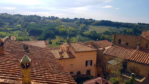 i-tetti-e-le-colline-a-Castagneto Carducci