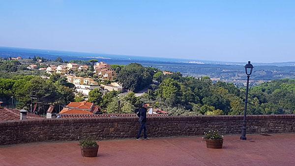 panorama-dalla-terrazza-Castagneto-Carducci