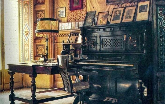 pianoforte-nel-salone-Villa-Puccini-web